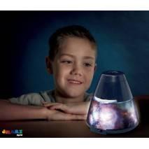 Vesmírný projektor a noční světlo