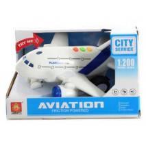 Letadlo s hlášením kapitána a letušky